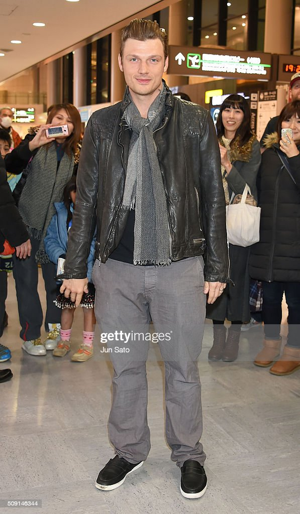 <a gi-track='captionPersonalityLinkClicked' href=/galleries/search?phrase=Nick+Carter&family=editorial&specificpeople=201755 ng-click='$event.stopPropagation()'>Nick Carter</a> is seen upon arrival at Narita International Airport on February 9, 2016 in Narita, Japan.