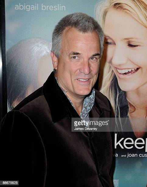 my sisters keeper by nick cassavetes essay My sister's keeper is an immediate audience-grabber, as we learn that an 11-year-old girl was genetically designed as a source of spare parts for her dying 16-year-old sister yes, it's possible: in vitro fertilization assured a perfect match and no, this isn't science fiction like.