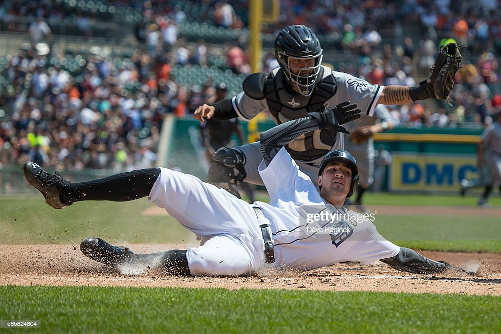 Chicago White Sox v Detroit Tigers