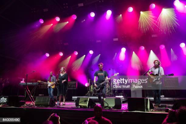 Nick Chaplin Rachel Goswell Neil Halstead Christian Savill and Simon Scott from Slowdive perform during Rock en Seine Festival at Domaine National de...