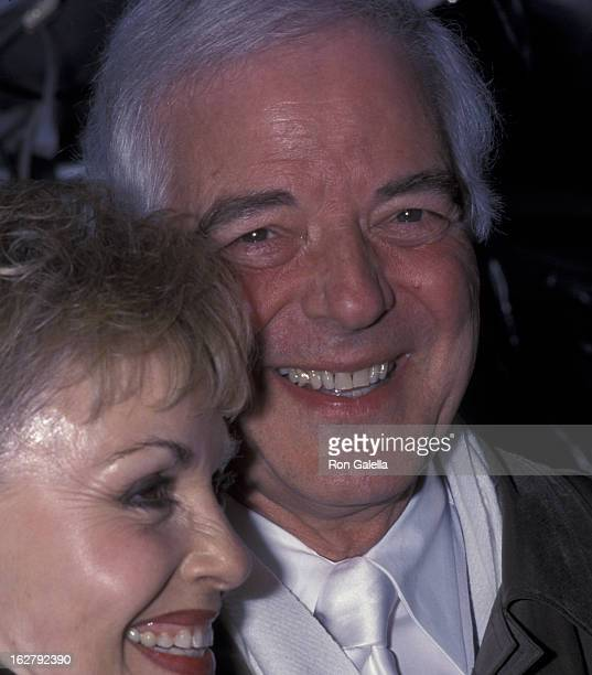 Nick Clooney and Nina Clooney attend the premiere of 'O Brother Where Art Thou' on December 19 2000 at the Ziegfeld Theater in New York City