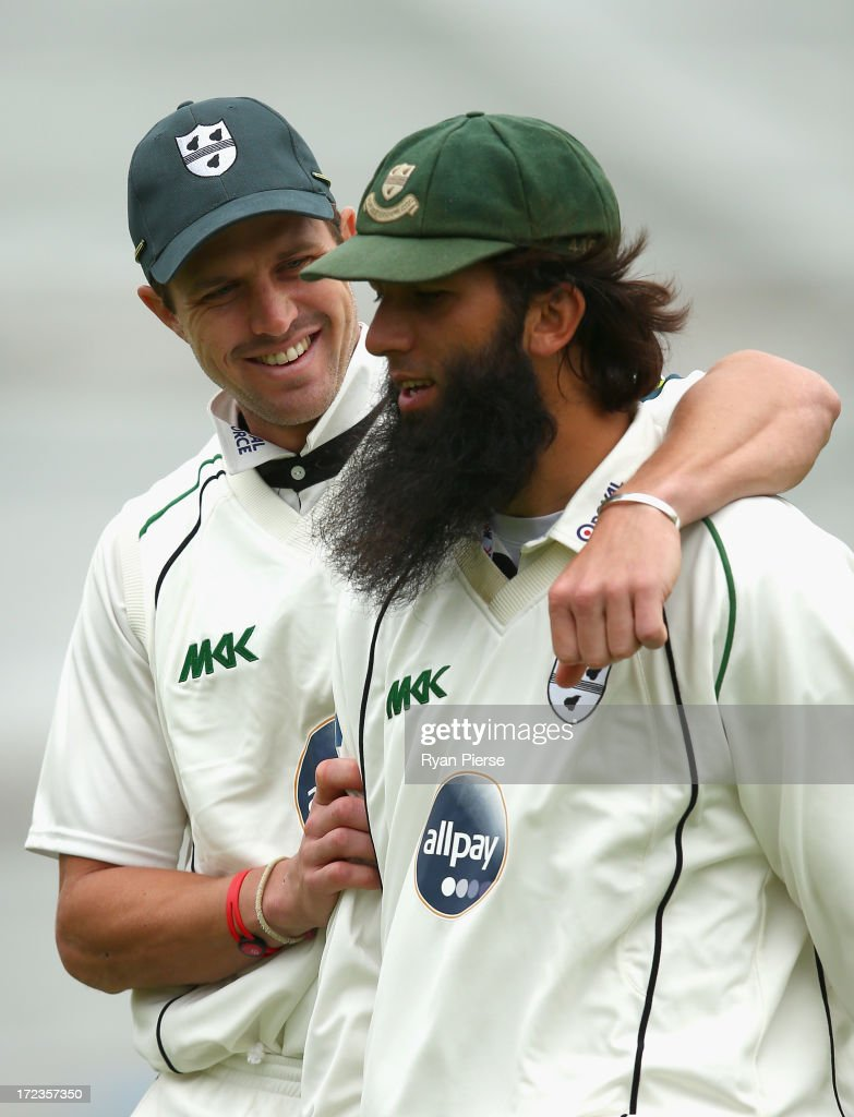 <a gi-track='captionPersonalityLinkClicked' href=/galleries/search?phrase=Nick+Compton&family=editorial&specificpeople=654760 ng-click='$event.stopPropagation()'>Nick Compton</a> of Worcestershire and Moeen Ali of Worcestershire walk from the ground at tea during day one of the Tour Match between Worcestershire and Australia at New Road on July 2, 2013 in Worcester, England.
