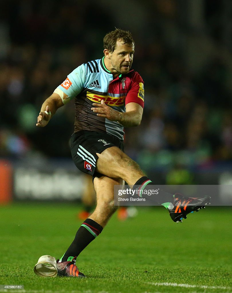 Nick Evans of Harlequins kicks a penalty during the Aviva Premiership match between Harlequins and Wasps at Twickenham Stoop on October 16 2015 in...