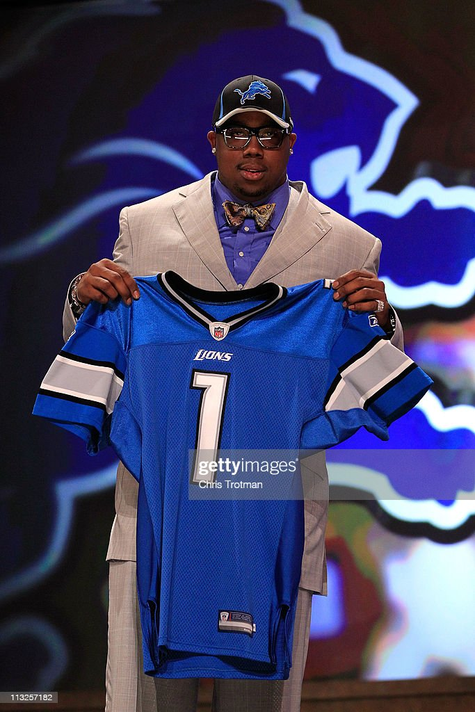 <a gi-track='captionPersonalityLinkClicked' href=/galleries/search?phrase=Nick+Fairley&family=editorial&specificpeople=6549342 ng-click='$event.stopPropagation()'>Nick Fairley</a>, #13 overall pick by the Detroit Lions, holds up a jersey during the 2011 NFL Draft at Radio City Music Hall on April 28, 2011 in New York City.
