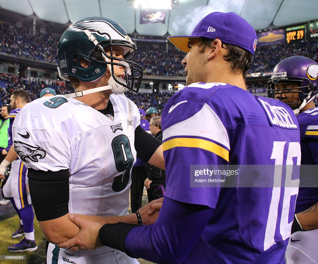 <a gi-track='captionPersonalityLinkClicked' href=/galleries/search?phrase=Nick+Foles&family=editorial&specificpeople=4620741 ng-click='$event.stopPropagation()'>Nick Foles</a> #9 of the Philadelphia Eagles greets <a gi-track='captionPersonalityLinkClicked' href=/galleries/search?phrase=Matt+Cassel&family=editorial&specificpeople=567575 ng-click='$event.stopPropagation()'>Matt Cassel</a> #16 of the Minnesota Vikings after the game on December 15, 2013 at Mall of America Field at the Hubert H. Humphrey Metrodome in Minneapolis, Minnesota.