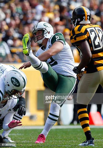 Nick Folk of the New York Jets kicks a 48 yard field goal in the second quarter during the game against the Pittsburgh Steelers on October 9 2016 at...