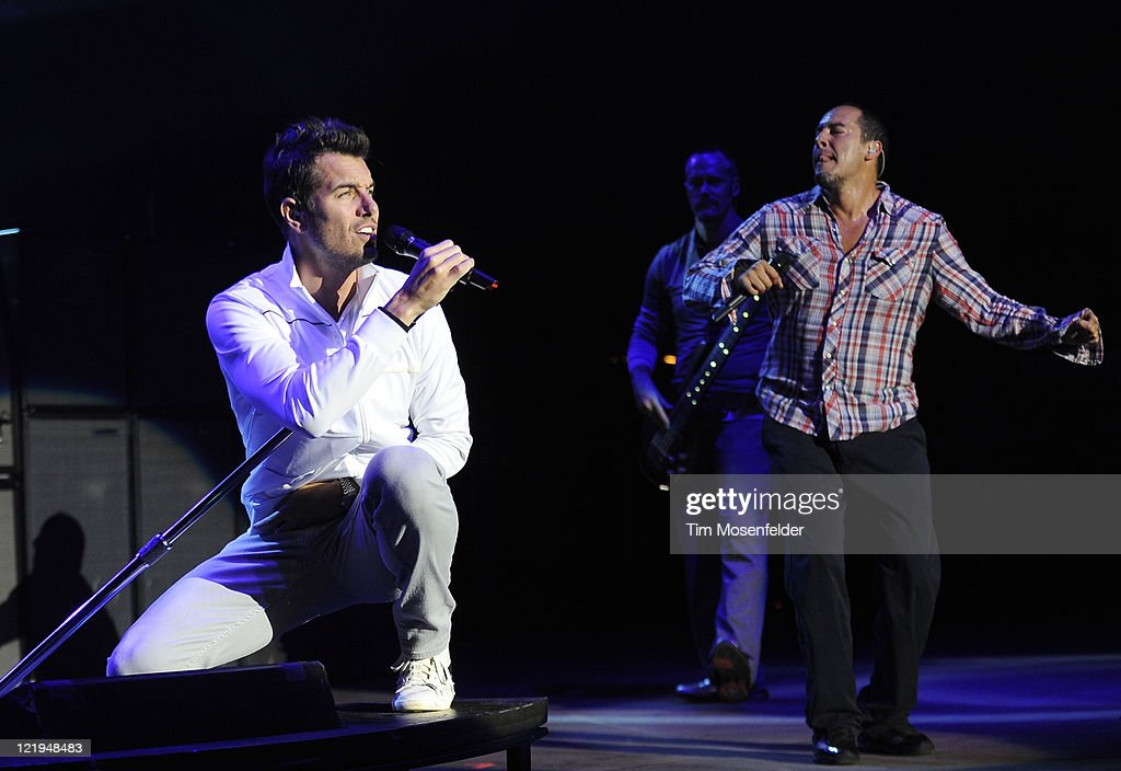 Nick Hexum (L) and S.A. Martinez of 311 perform in support of the bands' Universal Pulse at Shoreline Amphitheater on August 23, 2011 in Mountain View, California.