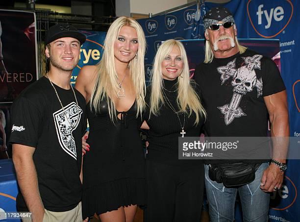 Nick Hogan Brooke Hogan Linda Hogan and Hulk Hogan