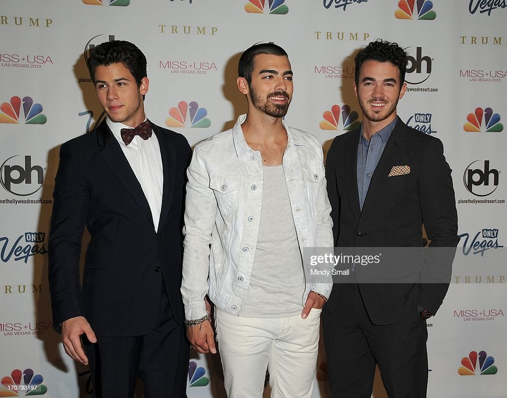 <a gi-track='captionPersonalityLinkClicked' href=/galleries/search?phrase=Nick+Jonas&family=editorial&specificpeople=842713 ng-click='$event.stopPropagation()'>Nick Jonas</a>, <a gi-track='captionPersonalityLinkClicked' href=/galleries/search?phrase=Joe+Jonas&family=editorial&specificpeople=842712 ng-click='$event.stopPropagation()'>Joe Jonas</a> and <a gi-track='captionPersonalityLinkClicked' href=/galleries/search?phrase=Kevin+Jonas&family=editorial&specificpeople=709547 ng-click='$event.stopPropagation()'>Kevin Jonas</a> of the Jonas Brothers arrive at the 2013 Miss USA pageant at Planet Hollywood Resort & Casino on June 16, 2013 in Las Vegas, Nevada.