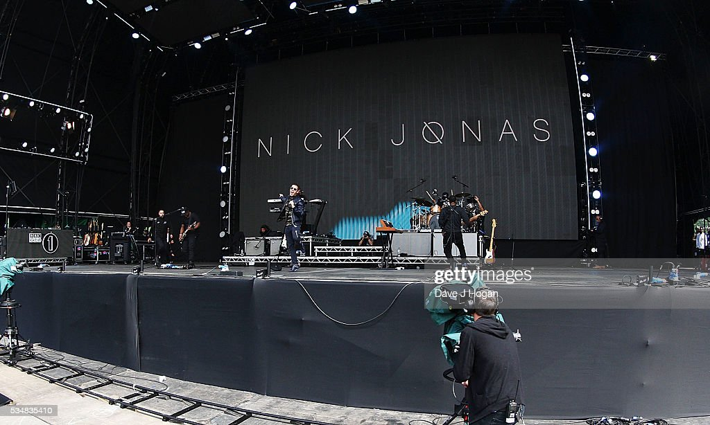 <a gi-track='captionPersonalityLinkClicked' href=/galleries/search?phrase=Nick+Jonas&family=editorial&specificpeople=842713 ng-click='$event.stopPropagation()'>Nick Jonas</a> performs during day 1 of BBC Radio 1's Big Weekend at Powderham Castle on May 28, 2016 in Exeter, England.