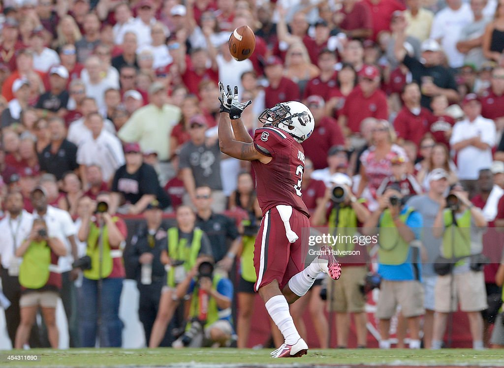 Nick Jones #3 of the South Carolina Gamecocks pulls down a touchdown pass against the Texas A&M Aggies during their game at Williams-Brice Stadium on August 28, 2014 in Columbia, South Carolina.