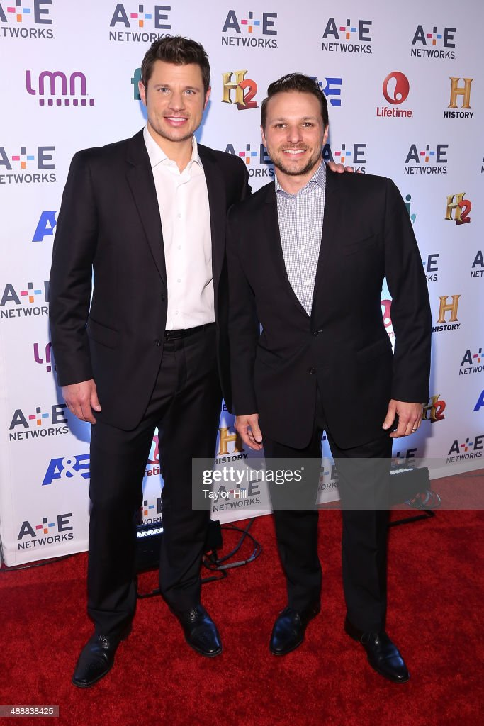 <a gi-track='captionPersonalityLinkClicked' href=/galleries/search?phrase=Nick+Lachey&family=editorial&specificpeople=201832 ng-click='$event.stopPropagation()'>Nick Lachey</a> and <a gi-track='captionPersonalityLinkClicked' href=/galleries/search?phrase=Drew+Lachey&family=editorial&specificpeople=550274 ng-click='$event.stopPropagation()'>Drew Lachey</a> attend the 2014 A+E Networks Upfronts at Park Avenue Armory on May 8, 2014 in New York City.