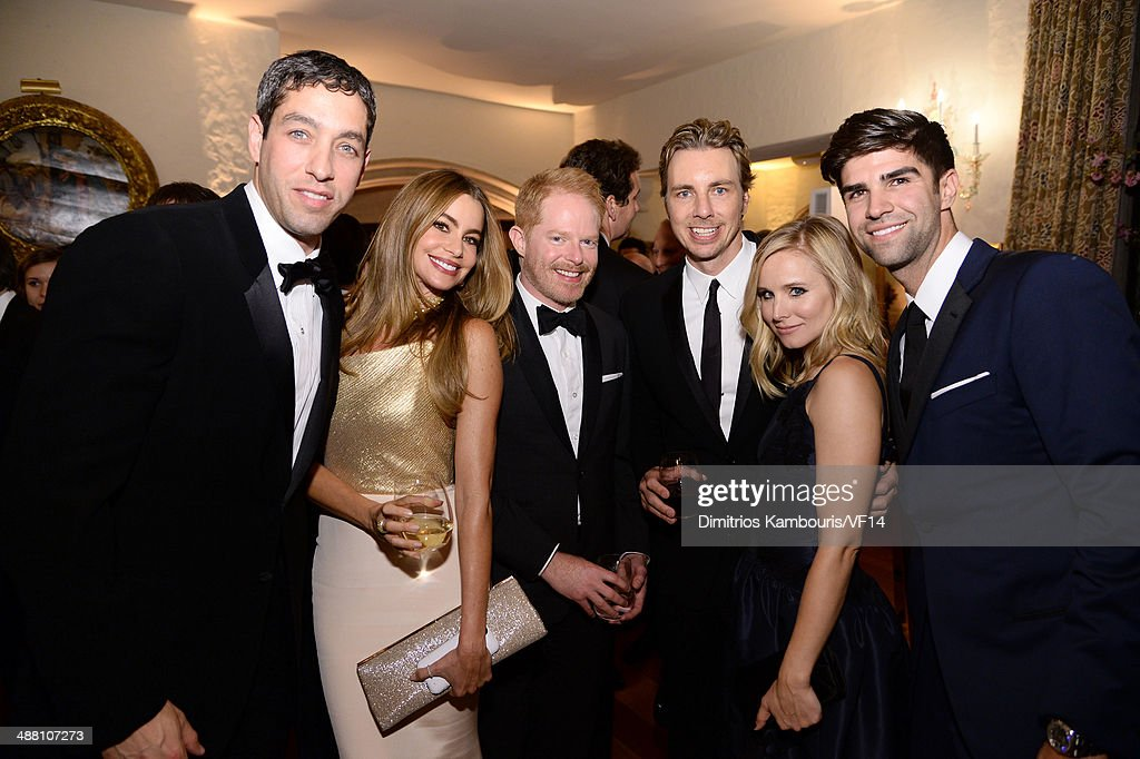 <a gi-track='captionPersonalityLinkClicked' href=/galleries/search?phrase=Nick+Loeb&family=editorial&specificpeople=7091574 ng-click='$event.stopPropagation()'>Nick Loeb</a>, <a gi-track='captionPersonalityLinkClicked' href=/galleries/search?phrase=Sofia+Vergara&family=editorial&specificpeople=214702 ng-click='$event.stopPropagation()'>Sofia Vergara</a>, <a gi-track='captionPersonalityLinkClicked' href=/galleries/search?phrase=Jesse+Tyler+Ferguson&family=editorial&specificpeople=633114 ng-click='$event.stopPropagation()'>Jesse Tyler Ferguson</a>, <a gi-track='captionPersonalityLinkClicked' href=/galleries/search?phrase=Dax+Shepard&family=editorial&specificpeople=810830 ng-click='$event.stopPropagation()'>Dax Shepard</a>, <a gi-track='captionPersonalityLinkClicked' href=/galleries/search?phrase=Kristen+Bell&family=editorial&specificpeople=194764 ng-click='$event.stopPropagation()'>Kristen Bell</a> and <a gi-track='captionPersonalityLinkClicked' href=/galleries/search?phrase=Justin+Mikita&family=editorial&specificpeople=7458663 ng-click='$event.stopPropagation()'>Justin Mikita</a> attend the Bloomberg & Vanity Fair cocktail reception following the 2014 WHCA Dinner at Villa Firenze on May 3, 2014 in Washington, DC.