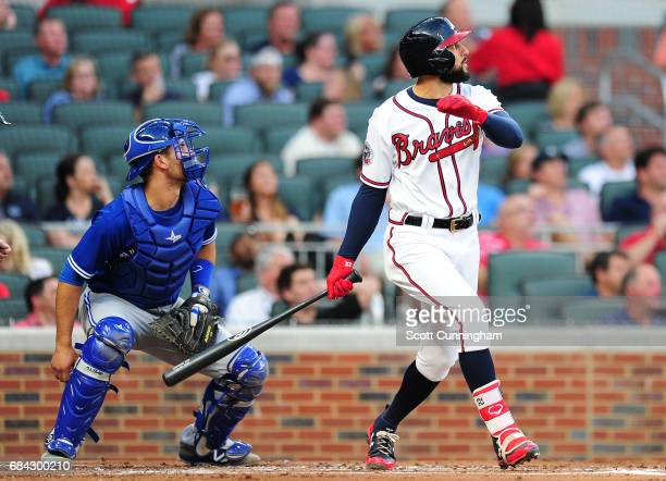 Nick Markakis of the Atlanta Braves knocks in a run with a first inning single against the Toronto Blue Jays at SunTrust Park on May 17 2017 in...