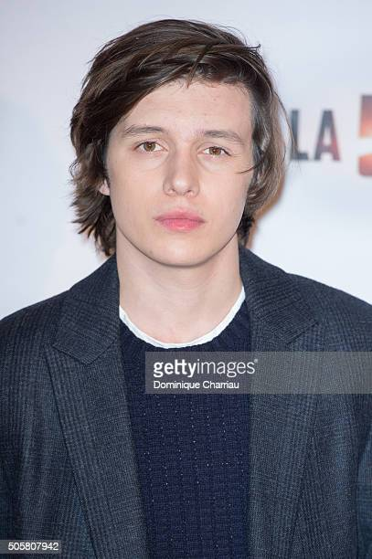 Nick Robinson attends 'The 5th Wave' Paris Photocall at Hotel Le Bristol on January 20 2016