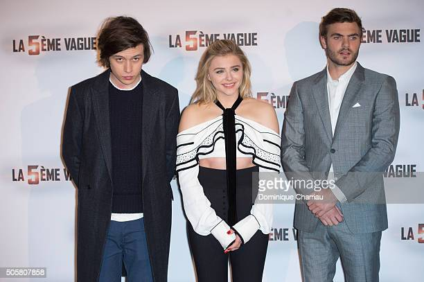 Nick Robinson Chloe Grace Moretz and Alex Roe attend 'The 5th Wave' Paris Photocall at Hotel Le Bristol on January 20 2016