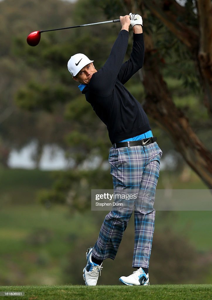 Nick Watney hits his tee shot on the fifth hole during the third round of the Farmers Insurance Open on the South Course at Torrey Pines Golf Course on January 27, 2013 in La Jolla, California.