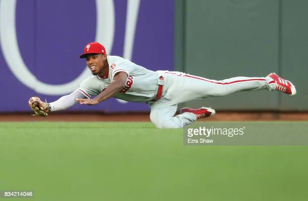 Nick Williams of the Philadelphia Phillies catches a ball hit by Denard Span of the San Francisco Giants in the first inning at ATT Park on August 17...