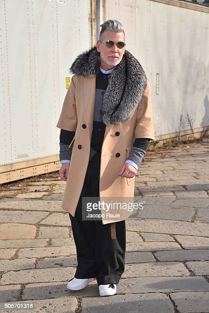 Nick Wooster arrives at the Gucci show during Milan Men's Fashion Week Fall/Winter 2016/17 on January 18 2016 in Milan Italy