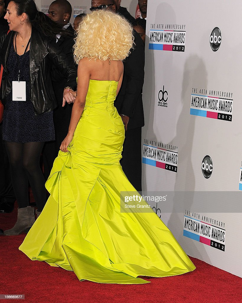 Nicki Minaj arrives at the 40th Anniversary American Music Awards at Nokia Theatre L.A. Live on November 18, 2012 in Los Angeles, California.