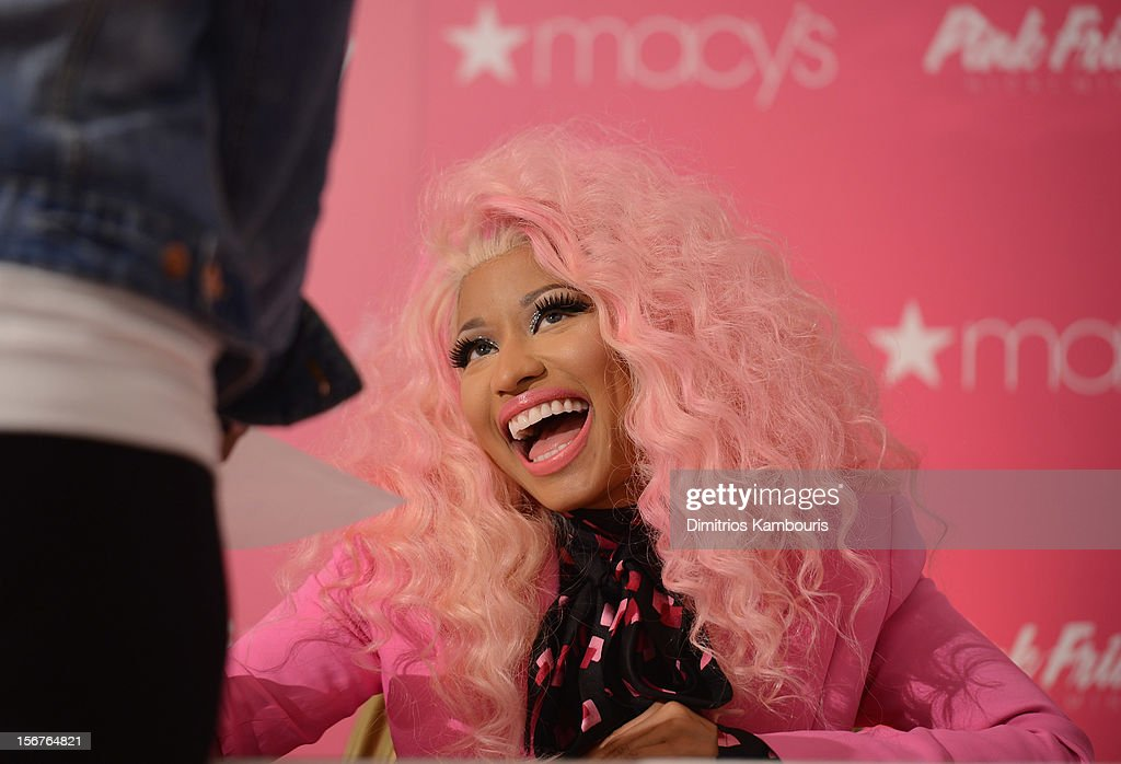 <a gi-track='captionPersonalityLinkClicked' href=/galleries/search?phrase=Nicki+Minaj+-+Artiste+de+spectacle&family=editorial&specificpeople=6362705 ng-click='$event.stopPropagation()'>Nicki Minaj</a> attends Pink Friday Fragrance Launch at Macy's Queens Center Mall on November 20, 2012 in the Queens borough of New York City.