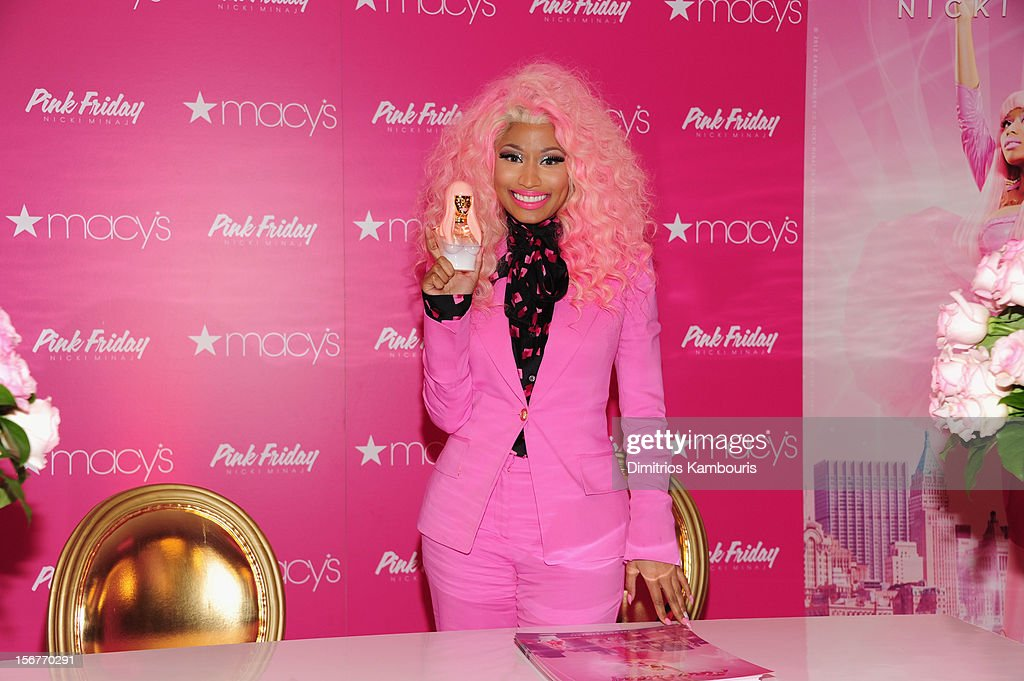<a gi-track='captionPersonalityLinkClicked' href=/galleries/search?phrase=Nicki+Minaj+-+Artiste+de+spectacle&family=editorial&specificpeople=6362705 ng-click='$event.stopPropagation()'>Nicki Minaj</a> attends Pink Friday Fragrance Launch at Macy's Queens Center Mall on November 20, 2012 in New York City.