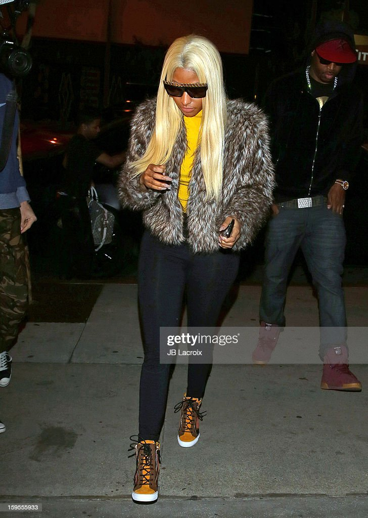 <a gi-track='captionPersonalityLinkClicked' href=/galleries/search?phrase=Nicki+Minaj+-+Artiste+de+spectacle&family=editorial&specificpeople=6362705 ng-click='$event.stopPropagation()'>Nicki Minaj</a> is seen at Boa restaurant on January 15, 2013 in Los Angeles, California.
