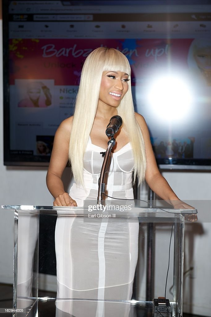Nicki Minaj serves as host for the 'Shop Your Way' Lauch Party at Fig & Olive Melrose Place on March 1, 2013 in West Hollywood, California. (Photo by Earl Gibson III/WireImage) WEST HOLLYWOOD, CA - MARCH 01: Nicki Minaj serves as host for the 'Shop Your Way' Lauch Party at Fig & Olive Melrose Place on March 1, 2013 in West Hollywood, California.