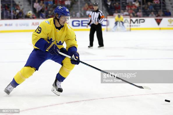 Nicklas Backstrom of Team Sweden controls the puck against the Team Europe in the first period during the pretournament World Cup of Hockey game at...