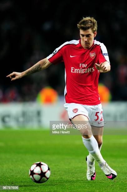Nicklas Bendtner of Arsenal in action during the UEFA Champions League last 16 first leg match between FC Porto and Arsenal at the Estadio Do Dragao...