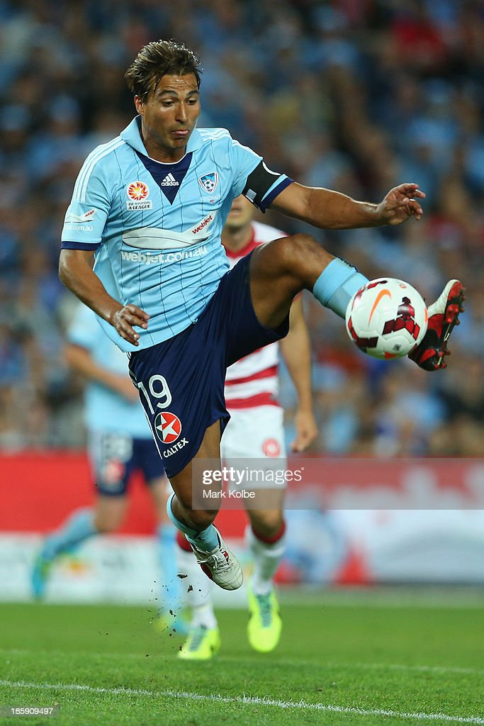 Nicky Carle of Sydney FC controls the ball during the round three A-League match between Sydney FC and the Western Sydney Wanderers at Allianz Stadium on October 26, 2013 in Sydney, Australia.