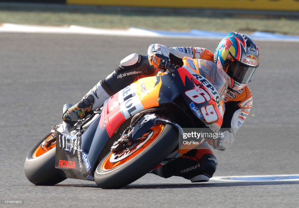 <a gi-track='captionPersonalityLinkClicked' href=/galleries/search?phrase=Nicky+Hayden+-+Motorcycle+Racer&family=editorial&specificpeople=227346 ng-click='$event.stopPropagation()'>Nicky Hayden</a> (USA) during training for the 2006 Estoril Moto GP in Estoril, Portugal on October 14, 2006.