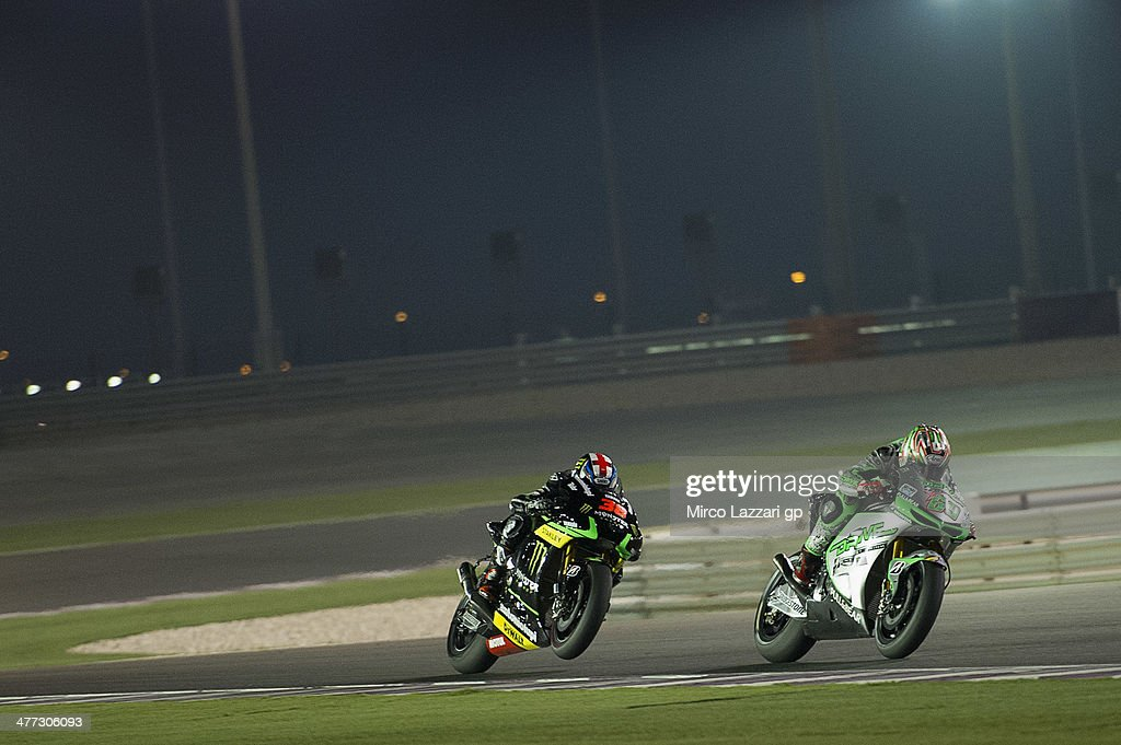 <a gi-track='captionPersonalityLinkClicked' href=/galleries/search?phrase=Nicky+Hayden+-+Piloto+de+motociclismo&family=editorial&specificpeople=227346 ng-click='$event.stopPropagation()'>Nicky Hayden</a> of USA and Drive M7 Aspar leads Bradley Smith of Great Britain and Monster Yamaha Tech 3 during the MotoGP Tests in Losail - Day Two at Losail Circuit on March 8, 2014 in Doha, Qatar.