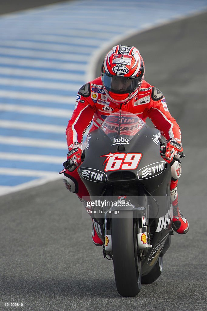 <a gi-track='captionPersonalityLinkClicked' href=/galleries/search?phrase=Nicky+Hayden+-+Motorcycle+Racer&family=editorial&specificpeople=227346 ng-click='$event.stopPropagation()'>Nicky Hayden</a> of USA and Ducati Marlboro Team heads down a straight during the MotoGP Tests In Jerez - Day 4 at Circuito de Jerez on March 25, 2013 in Jerez de la Frontera, Spain.