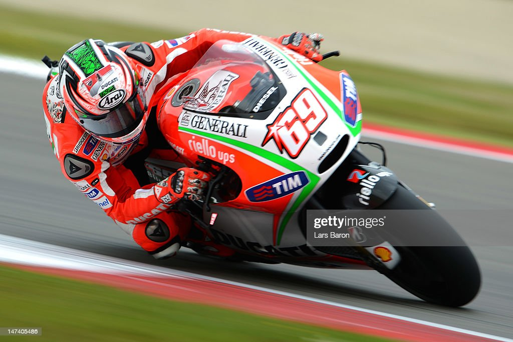<a gi-track='captionPersonalityLinkClicked' href=/galleries/search?phrase=Nicky+Hayden+-+Piloto+de+motociclismo&family=editorial&specificpeople=227346 ng-click='$event.stopPropagation()'>Nicky Hayden</a> of USA and Ducati Team drives during the Qualifying of MotoGp Of Holland at TT Circuit Assen on June 29, 2012 in Assen, Netherlands.