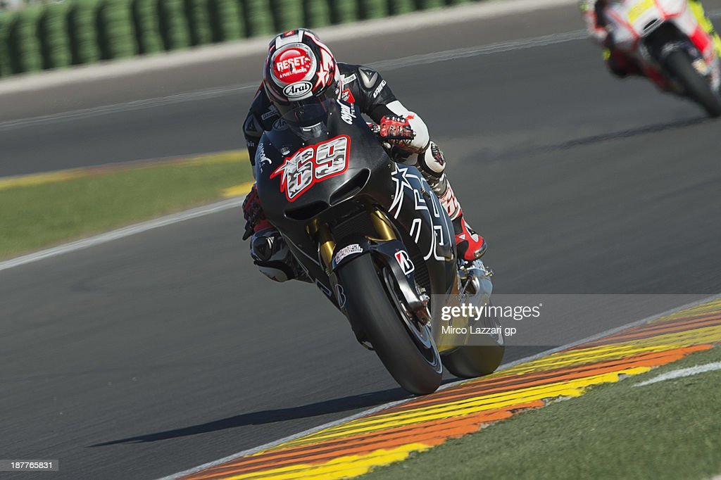 Nicky Hayden of USA and Power Electronics Aspar heads down a straight during the MotoGP Tests in Valencia - Day 2 at Ricardo Tormo Circuit on November 12, 2013 in Valencia, Spain.