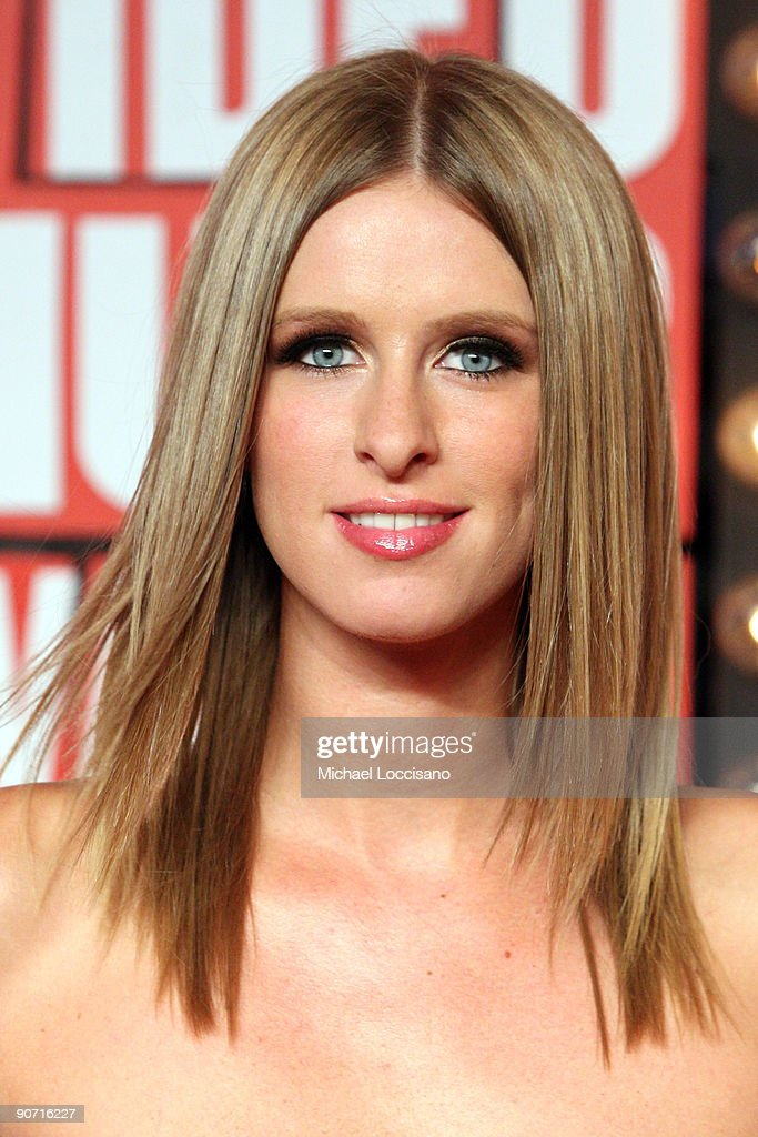 Nicky Hilton arrives at the 2009 MTV Video Music Awards at Radio City Music Hall on September 13, 2009 in New York City.