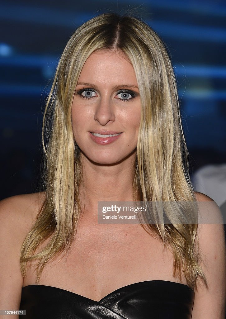<a gi-track='captionPersonalityLinkClicked' href=/galleries/search?phrase=Nicky+Hilton+-+Jahrgang+1983&family=editorial&specificpeople=11520989 ng-click='$event.stopPropagation()'>Nicky Hilton</a> attends a party as Moncler Celebrates Its 60th Anniversary At Art Basel Miami Beach on December 7, 2012 in Miami Beach, Florida.