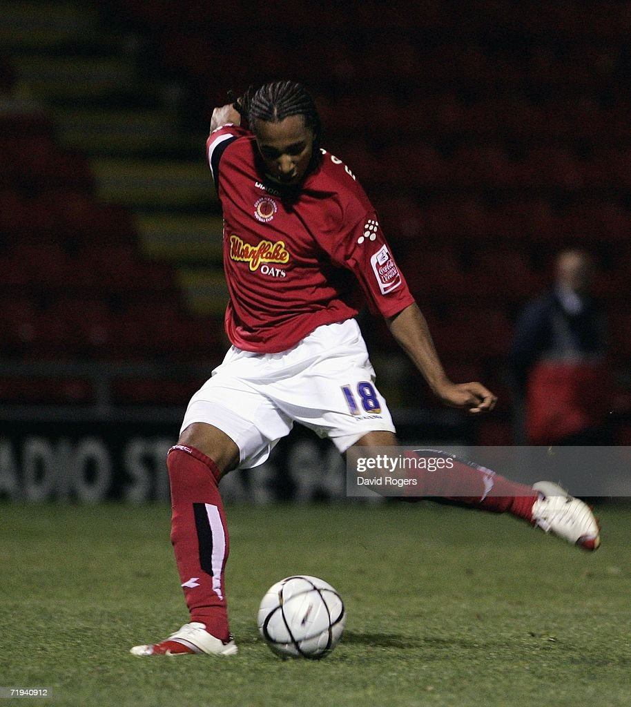 Nicky Maynard of Crewe scores the second goal during the Carling Cup second round match between Crewe Alexandra and Wigan Athletic at the Alexandra...