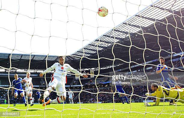 Nicky Maynard of MK Dons scores his team's first goal of the game during the Sky Bet Championship match between Milton Keynes Dons and Brentford on...