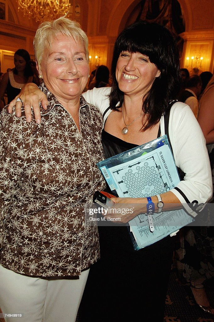 Nicky Weller (R) arrives with her mother at the Nordoff-Robbins O2 Silver Clef Lunch, at the Hilton Hotel Park Lane on June 29, 2007 in London, England.