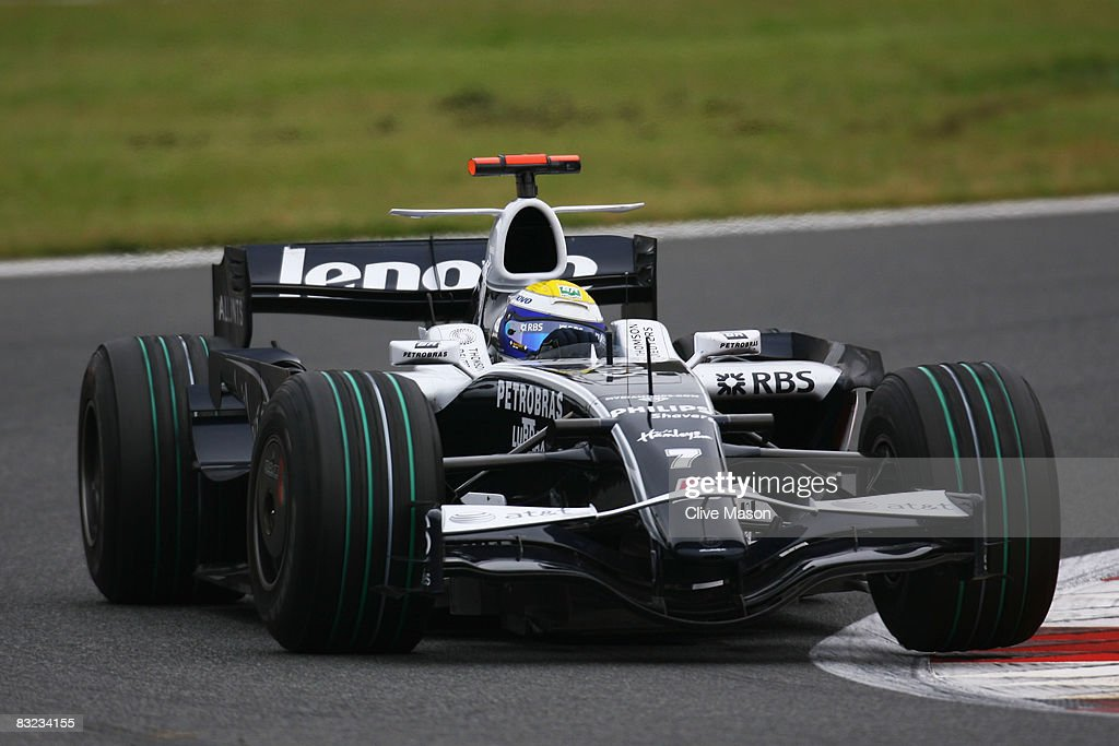 Nico Rosberg of Germany and Williams drives during the Japanese Formula One Grand Prix at the Fuji Speedway on October 12, 2008 in Shizuoka, Japan.