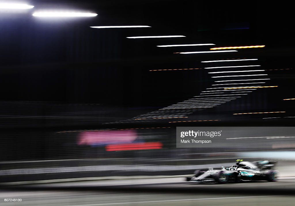 Nico Rosberg of Germany driving the (6) Mercedes AMG Petronas F1 Team Mercedes F1 WO7 Mercedes PU106C Hybrid turbo on track during qualifying for the Formula One Grand Prix of Singapore at Marina Bay Street Circuit on September 17, 2016 in Singapore.