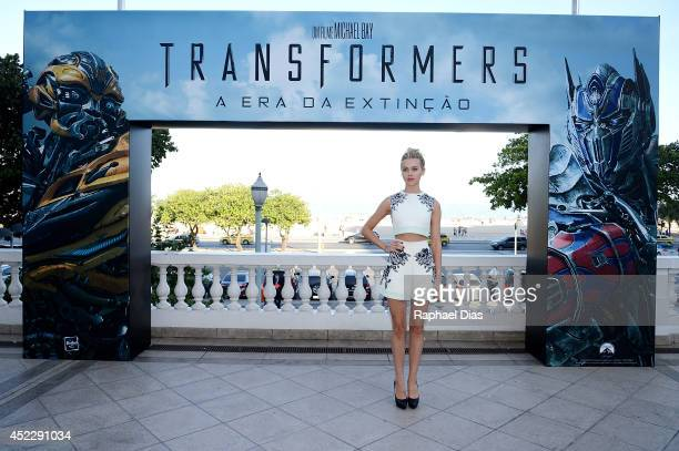 Nicola Peltz attends the photocall for Paramount Pictures' 'Transformers Age of Extinction' at Copacabana Palace Hotel on July 17 2014 in Rio de...