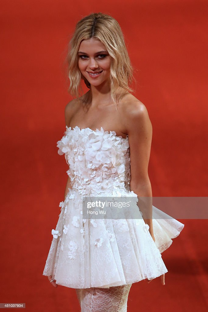 Nicola Peltz attends the red carpet for the worldwide premiere screening of 'Transformers: Age of Extinction' on June 22, 2014 in Shanghai, China.