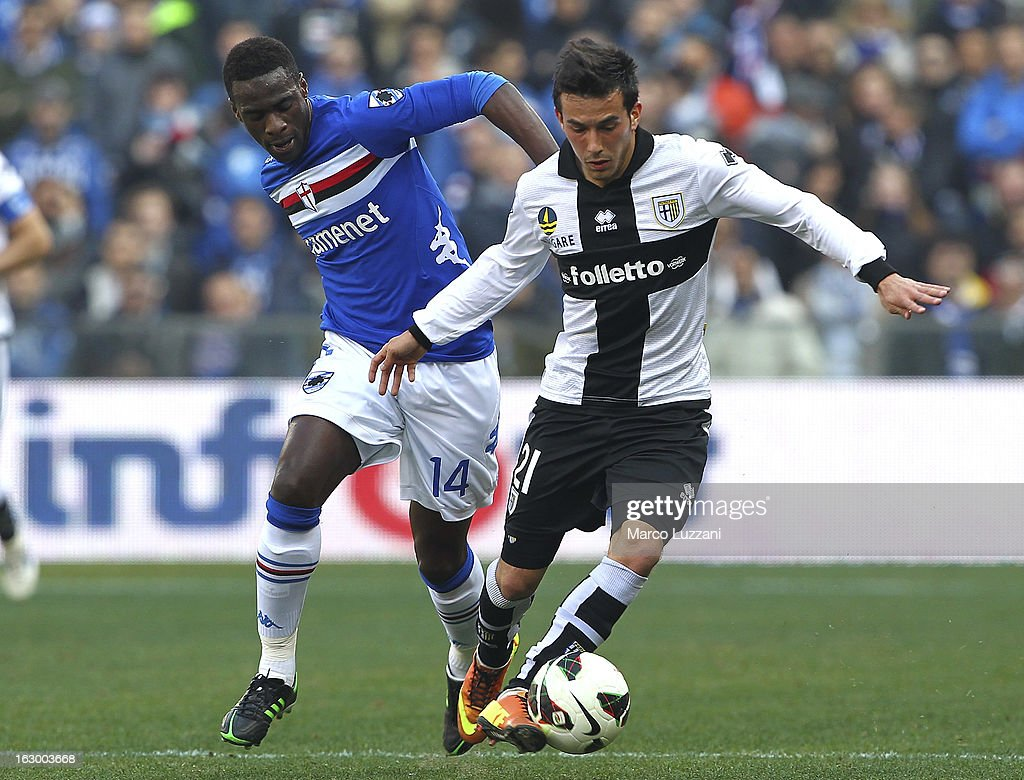 Nicola Sansone (R) of Parma FC competes for the ball with Pedro Obiang (L) of UC Sampdoria during the Serie A match between UC Sampdoria and Parma FC at Stadio Luigi Ferraris on March 3, 2013 in Genoa, Italy.