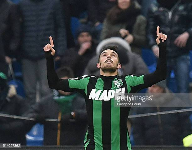 Nicola Sansone of US Sassuolo Calcio celebrates after scoring the goal 20 during the Serie A match between US Sassuolo Calcio and AC Milan at Mapei...