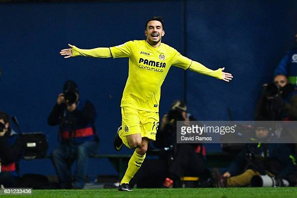 Nicola Sansone of Villarreal CF celebrates after scoring his team's first goal during the La Liga match between Villarreal CF and FC Barcelona at...
