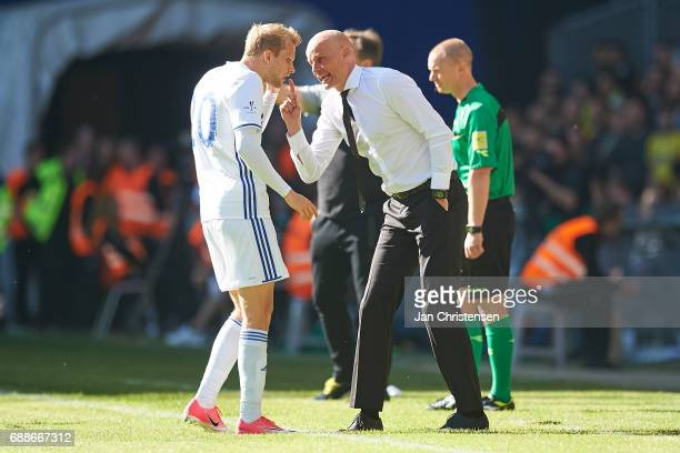 Nicolai Boilesen of FC Copenhagen get instructions from Stale Solbakken head coach of FC Copenhagen during the Danish Cup Final DBU Pokalen match...