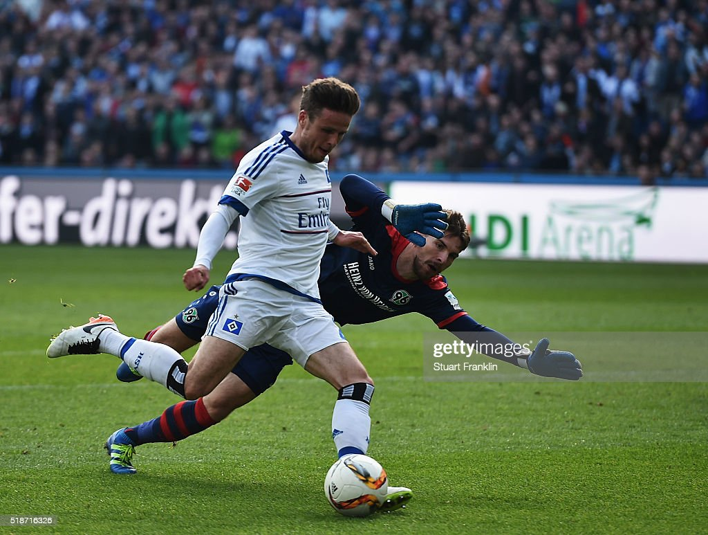 Nicolai Müller of Hamburg scores his goal during the Bundesliga match between Hannover 96 and Hamburger SV at HDI-Arena on April 2, 2016 in Hanover, Germany.
